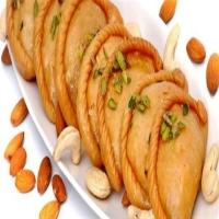 Gujiya (500 Grams)