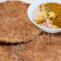 Aloo in Kuttu Gravy, Singhara Paratha