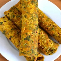 Travel with  Dal Paratha / Thepla