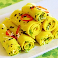 Khandvi with Green Chutney